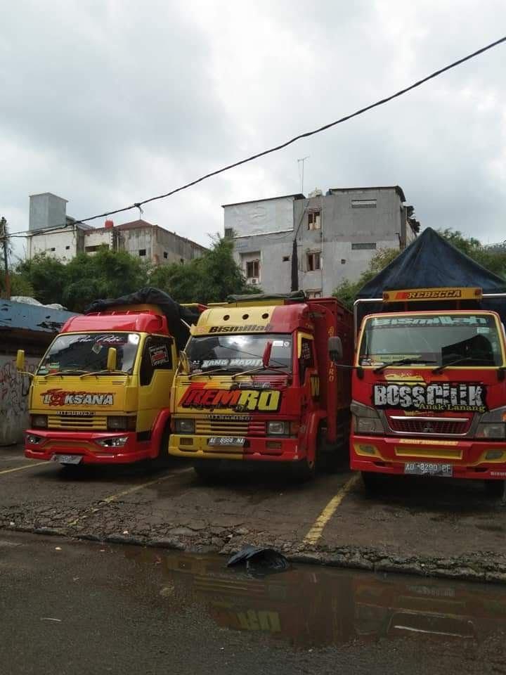 Sewa Truk FUSO Surabaya untuk Jasa Pindahan Terpercaya